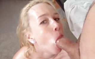 Curios Effy Sweet loves deep pussy penetration